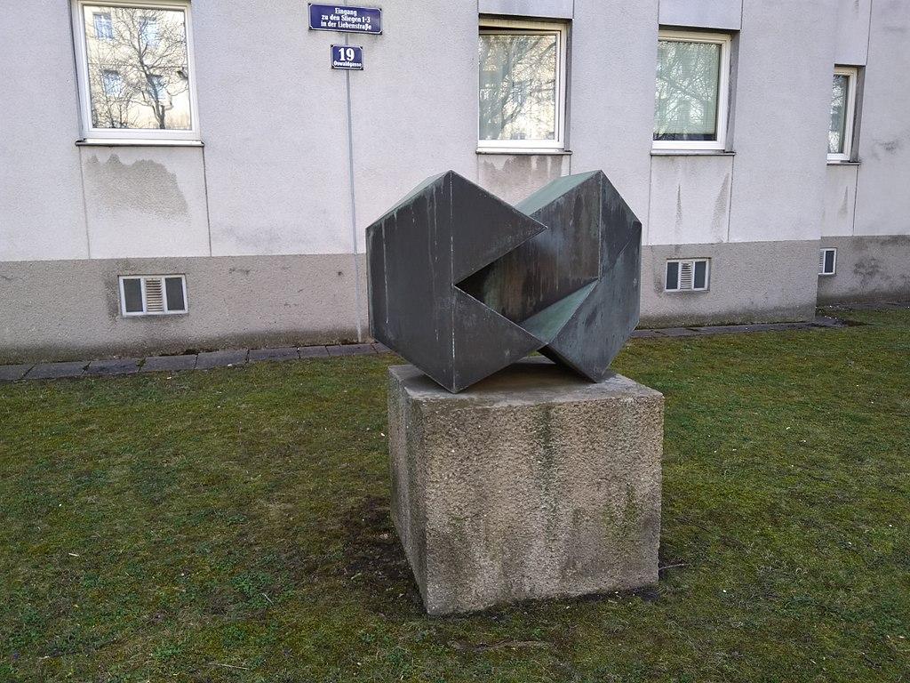 Sculpture in the garden of Oswaldgasse 19, 1120 Wien